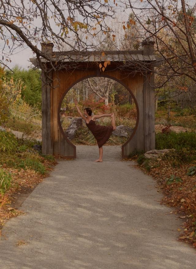 arch dance 2.jpg